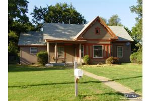216 W 6th St, Solomon, KS 67480