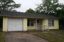 704 Douglas St, Refugio, TX 78377