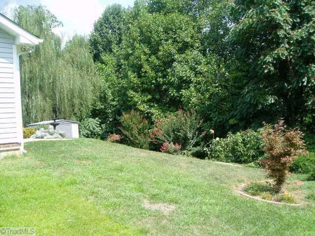 5200 Orchard Ridge Ln, Greensboro, NC 27455