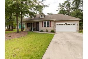 4294 Oak Creek Ln, Southport, NC 28461