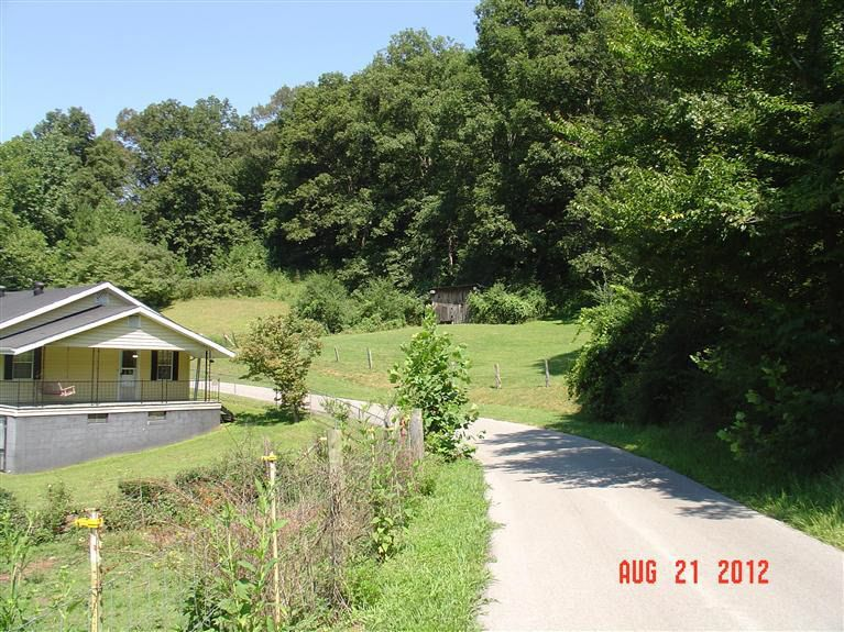 313 Coles Branch Rd, Flat Lick, KY 40935