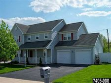 101 Summer House Ln, York, PA 17408