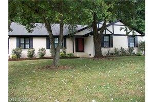 709 Montrose Dr, Greensboro, NC 27410