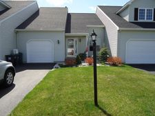 25B Pointe West Dr, Clifton Park, NY 12065