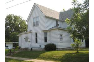 611 Elm St, Hamilton, IL 62341