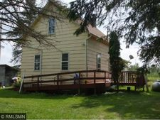 5036 Moline Rd, Kettle River, MN 55757