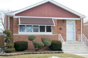 10033 S Utica Ave, Evergreen Park, IL 60805