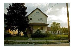 1317 Victoria Ave, New Kensington, PA 15068