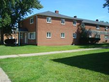 4889 Banbury Ct Apt 14, Warrensville Heights, OH 44128