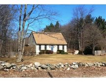 58 Whittier St, Newton, NH 03858