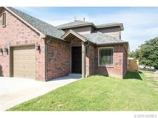 23 W 32nd Ct, Sand Springs, OK 74063