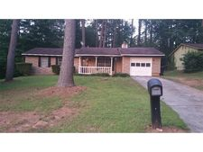 8430 N Pond Dr, Riverdale, GA 30274