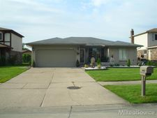 4682 Ardmore Dr, Sterling Heights, MI 48310