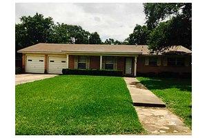 905 Mitchell St, Bryan, TX 77802