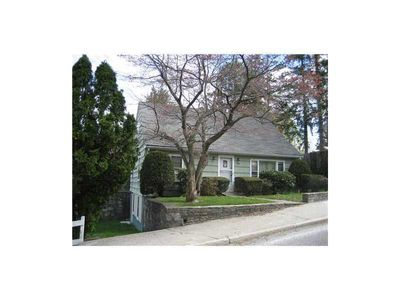 438 Ballou St, Woonsocket, RI