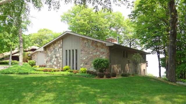 21 lakeview dr marquette mi 49855 home for sale and real estate listing