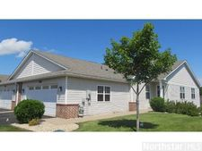 3088 Chisholm Ct N, Maplewood, MN 55109