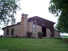 315 Lake Vista Dr, Zanesville, OH 43701