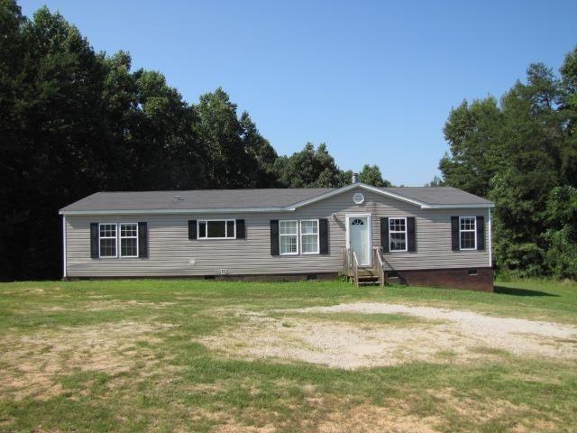 285 Peanut Rd, Woodruff, SC 29388