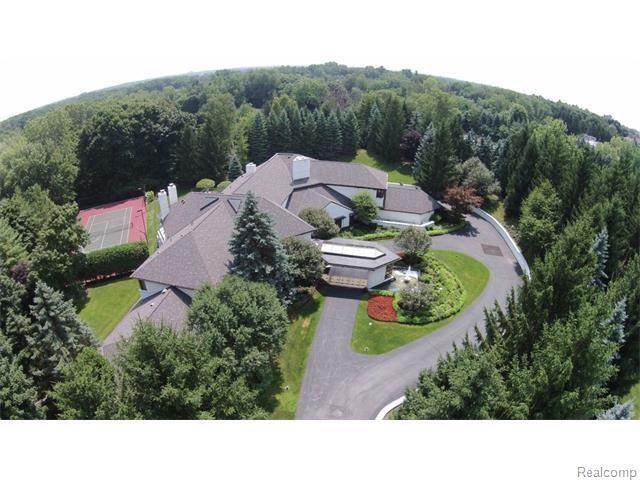 920 Trowbridge Rd, Bloomfield Hills, MI 48304