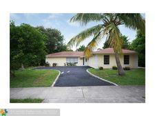 256 Foresteria Dr, West Palm Beach, FL 33403