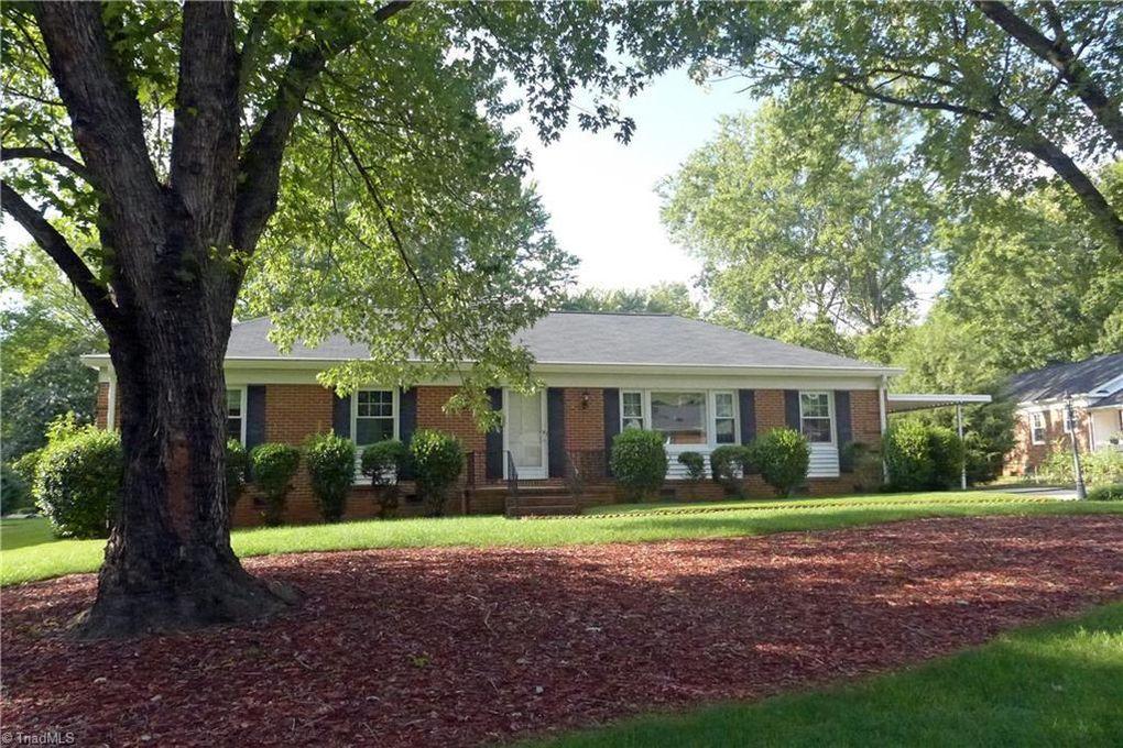 3602 Woodcote Dr Greensboro, NC 27410