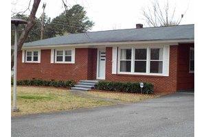 114 Continental Dr, Spartanburg, SC 29302