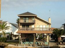 341 Admiral Cir, Tiki Village, TX 77554