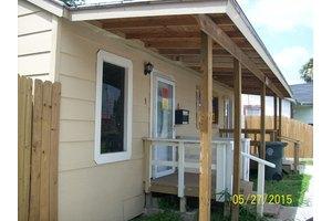 1155 E 2nd St, Alice, TX 78332