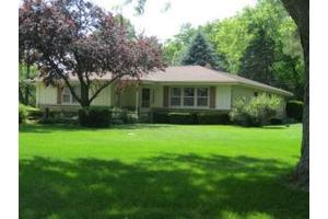 435 Timbercrest Ct, Cedarburg, WI 53012