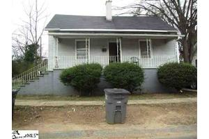33 Jones St, Greenville, SC 29611