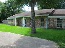 710 E Houston St, Highlands, TX 77562
