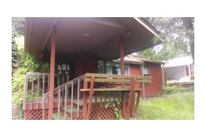 115 N Crescent Dr, Kelso, WA 98626