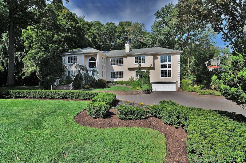 Upper Saddle River Nj >> 68 Old Chimney Rd Upper Saddle River Nj 07458 Realtor Com