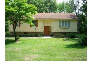 541 Water St, Fairfield, PA 17320