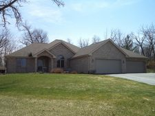 7609 Brookes Way Ln, Cherry Valley, IL 61016