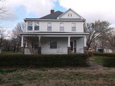 602 Oak St, Mccune, KS 66753