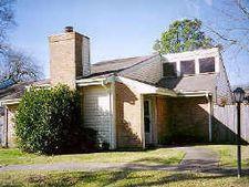 4802 Oak Hollow St, Baytown, TX 77521