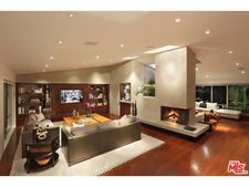 5524 Green Oak Dr, Los Angeles, CA 90068