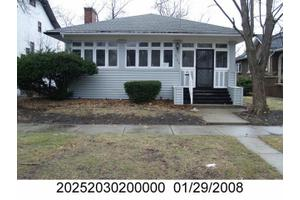 7146 S Crandon Ave, Chicago, IL 60649