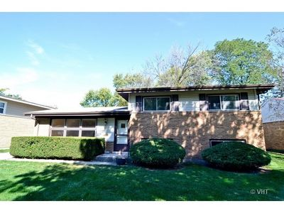81 Peyton Dr, Chicago Heights, IL 60411