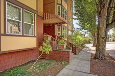 209 N 39th St Unit 101, Seattle, WA 98103