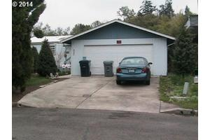 2061 Inland Way, Springfield, OR 97477