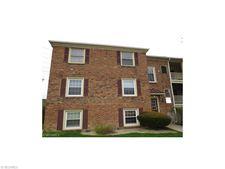 5731 Spotswood Dr, Lyndhurst, OH 44124