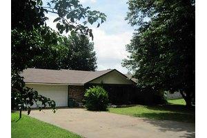 14592 Oakcrest Dr, Siloam Springs, AR 72761