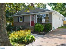 118 Barrett Rd, Willow Grove, PA 19090