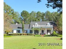 402 S Main St, Robersonville, NC 27871