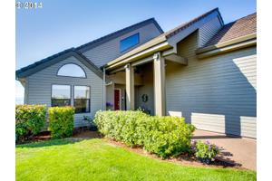 16955 SE Walnut Hill Rd, Amity, OR 97101
