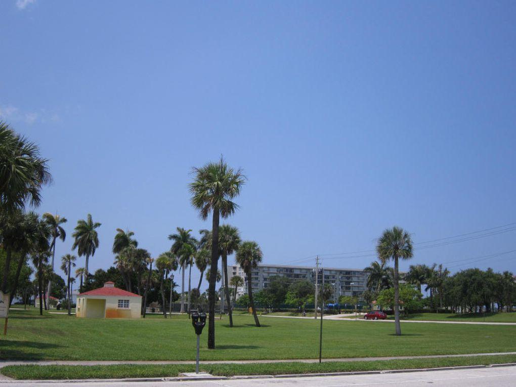 W Shore Dr West Palm Beach Fl