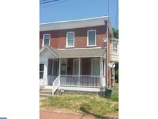 210 9th St, Brookhaven, PA 19015
